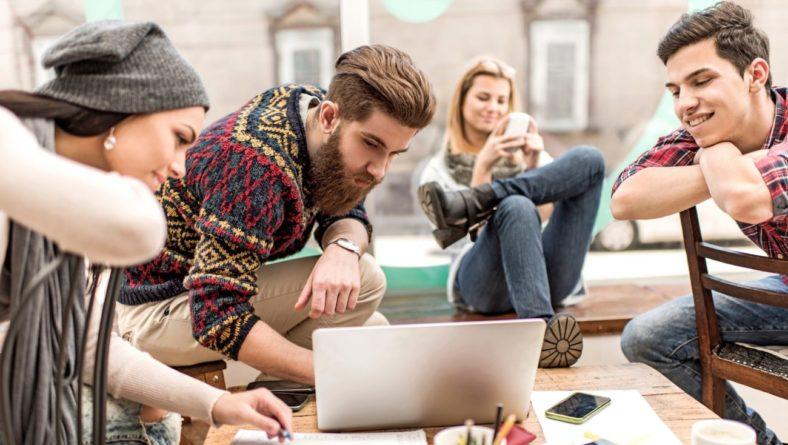 Consultoria online per a joves sobre consum i noves tecnologies